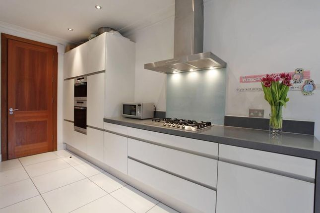 Thumbnail Property to rent in Kingsley Way, London