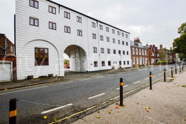 3 bed flat for sale in High Street, Spalding PE11