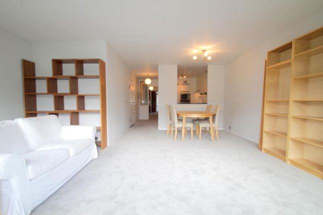 Picture No.33 of Defoe House, Barbican, London EC2Y