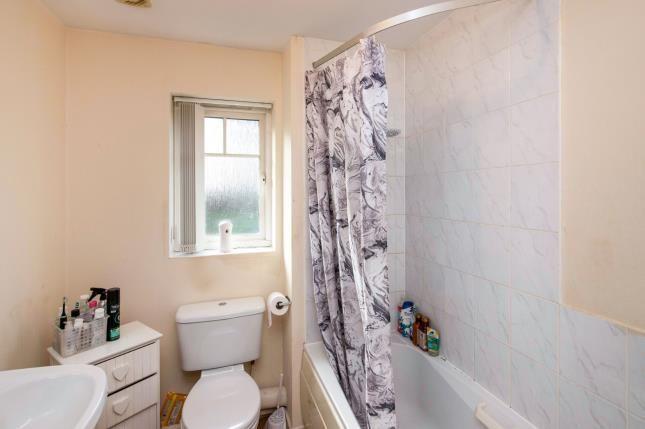 Bathroom of Pembrook Drive, Birmingham, West Midlands B31