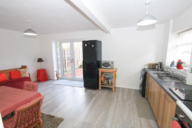 Open Plan Living/ Dining Kitchen