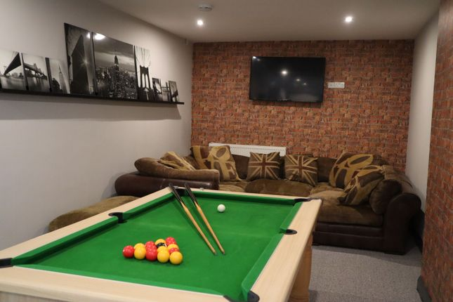 Thumbnail 4 bed flat to rent in York Street, Derby