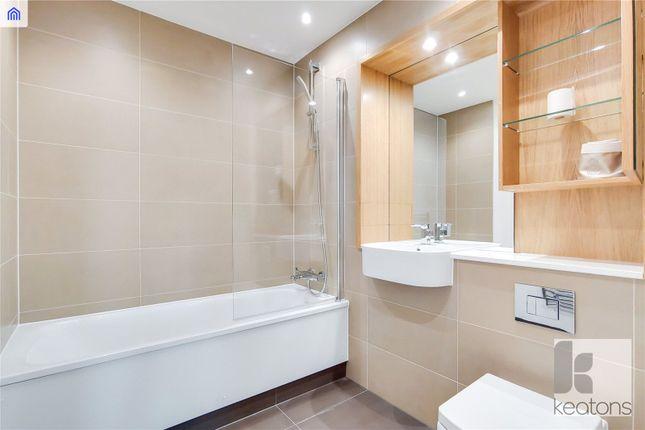 Bathroom of Sky View Tower, 12 High Street, London E15