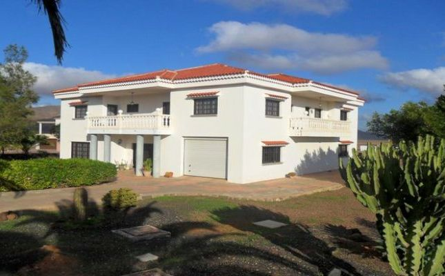 Thumbnail Villa for sale in Triquivijate, Fuerteventura, Spain