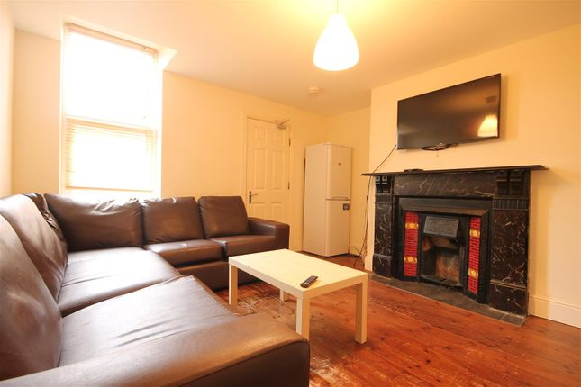 Thumbnail Maisonette to rent in Helmsley Road, Sandyford, Newcastle Upon Tyne