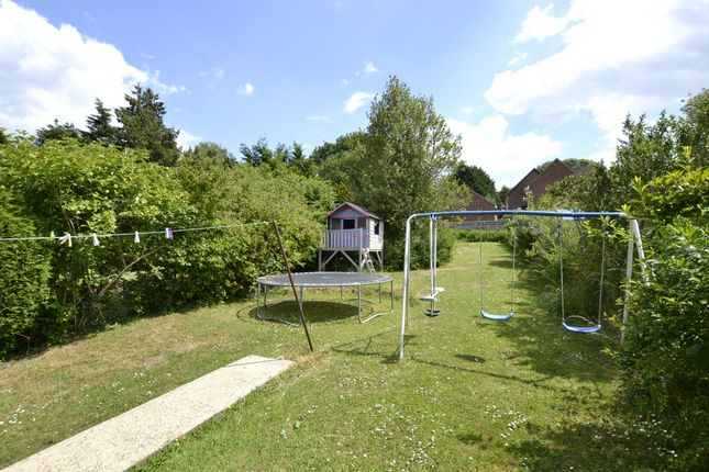 Thumbnail Terraced house for sale in Pinnocks Way, Oxford, Oxfordshire