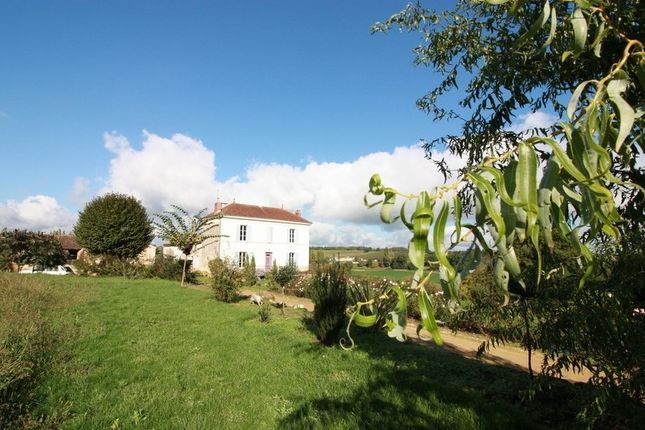 2 bed property for sale in Aquitaine, Gironde, Langon