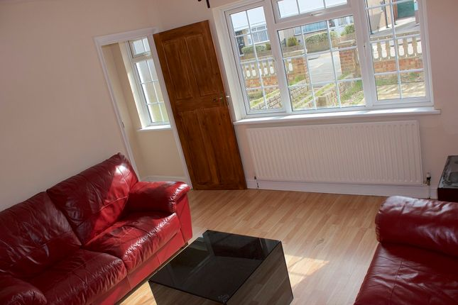 Thumbnail Flat to rent in Blackpool Gardens, Hayes