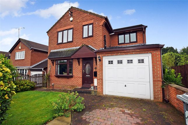3 bed detached house to rent in King George Croft, Morley, Leeds LS27