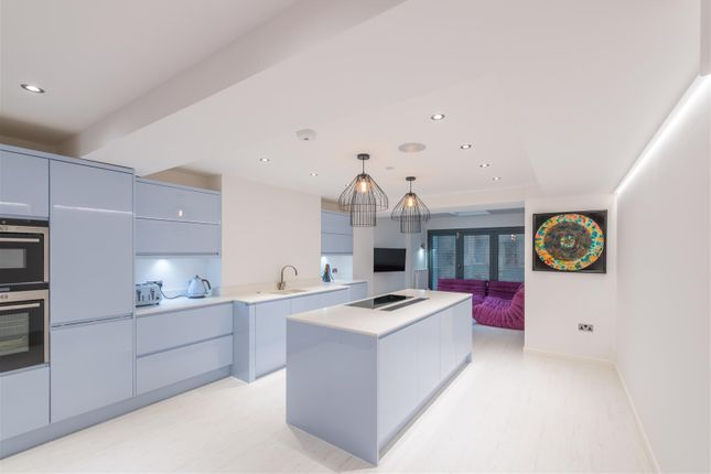 Thumbnail Property for sale in Wood Street Townhouse, Manchester