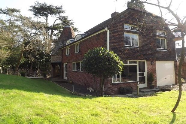 Thumbnail Detached house to rent in Station Road, Durgates, Wadhurst