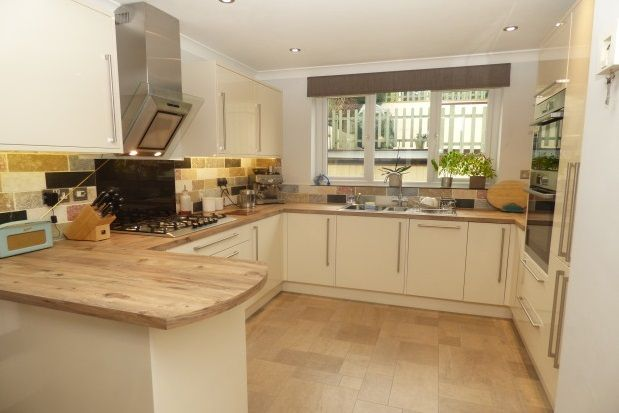 Thumbnail Property to rent in Victoria Crescent, Parkstone, Poole