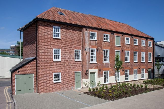Thumbnail Flat for sale in Mountergate, Norwich