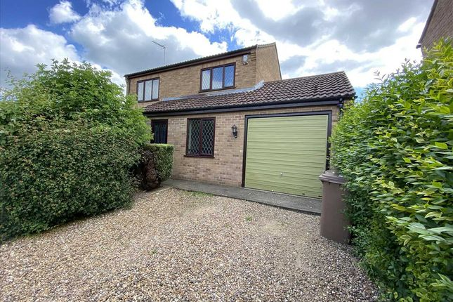 3 bed detached house to rent in Gorse Lane, Leasingham, Sleaford NG34