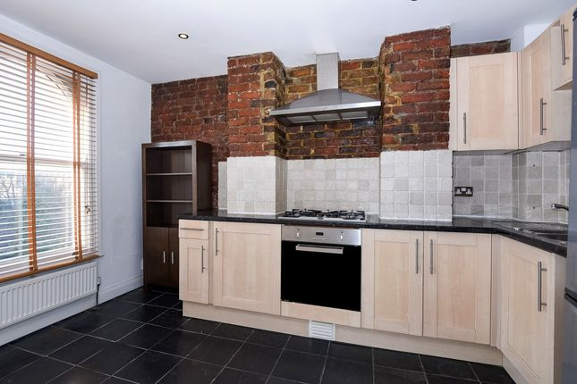 1 bed flat to rent in Isledon Road, Finsbury Park N7