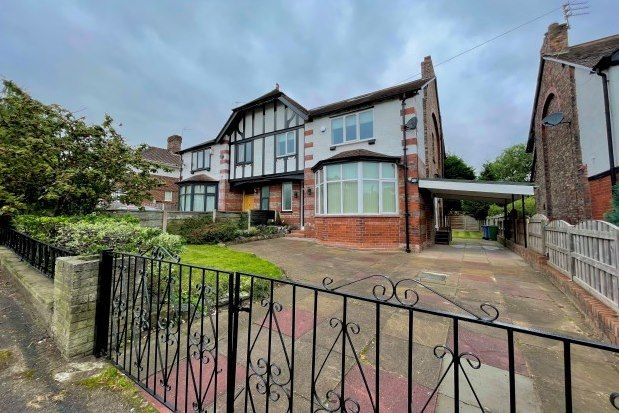 4 bed property to rent in Delahays Road, Altrincham WA15
