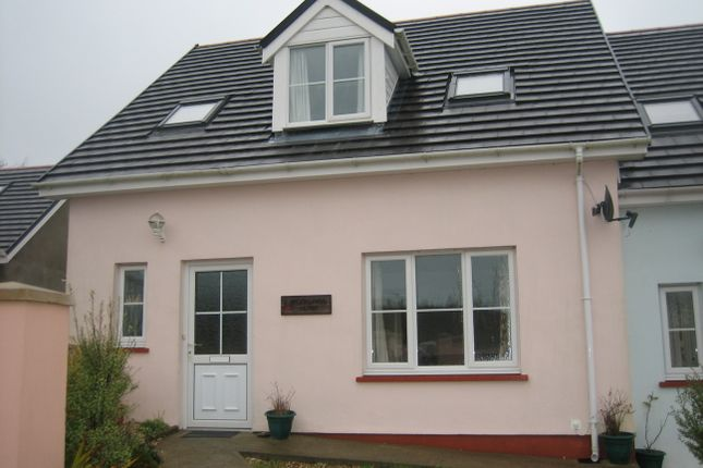 3 bed end terrace house to rent in 2 Brooklands Close, Simpson Cross, Haverfordwest.