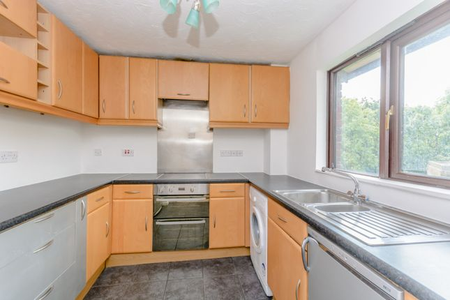 Thumbnail Flat to rent in West Quay Drive, Hayes