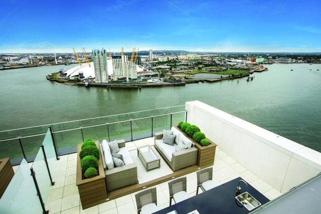 Thumbnail Property for sale in Horizons Tower, London
