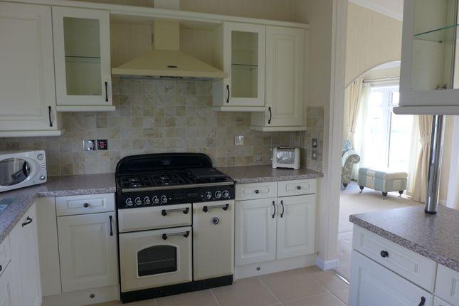 2 Bedroom Mobile Park Home For Sale 45791763 Primelocation