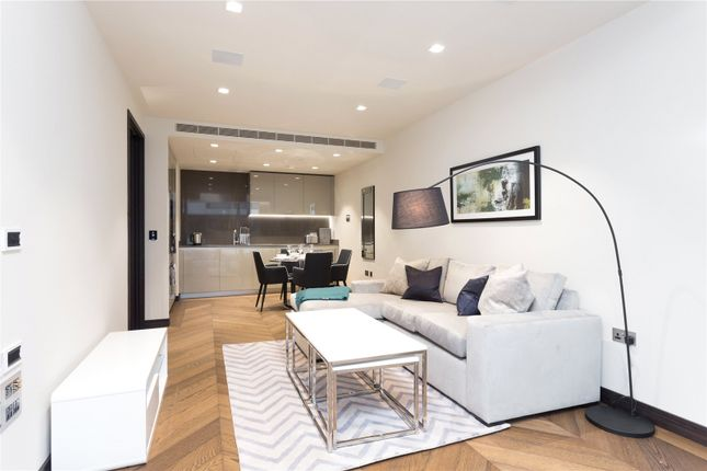 Thumbnail Flat for sale in Balmoral House, Earls Way, London