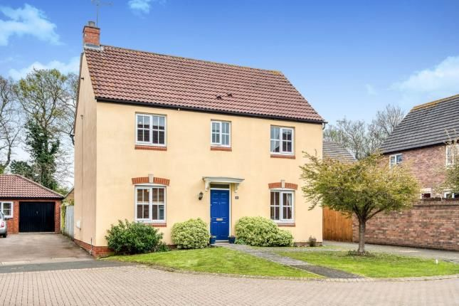 Thumbnail Detached house for sale in Spinney Grove, Evesham, Worcestershire