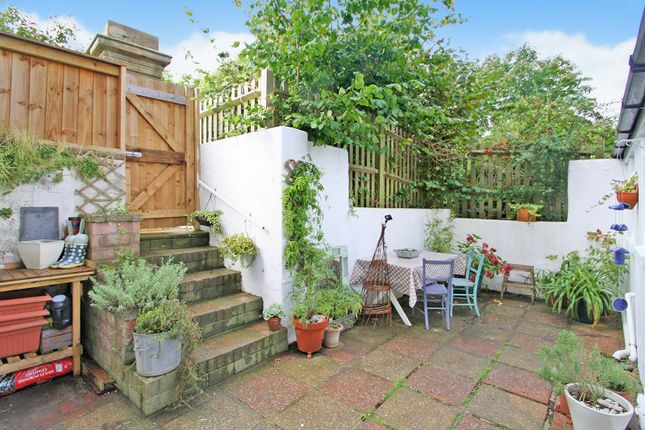 Thumbnail Flat for sale in Guildford Road, Tunbridge Wells