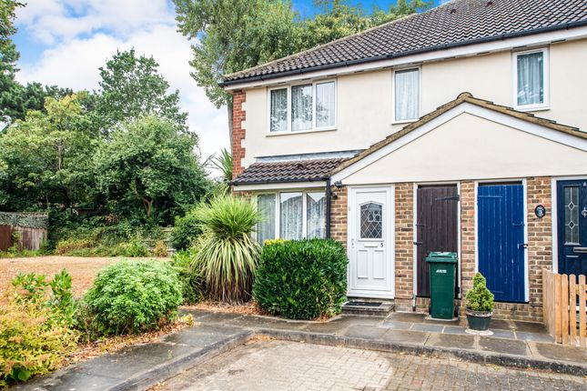 Thumbnail Property for sale in Magnolia Avenue, Abbots Langley