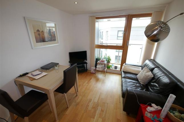 Flat to rent in The Boulevard, Hunslet, Leeds