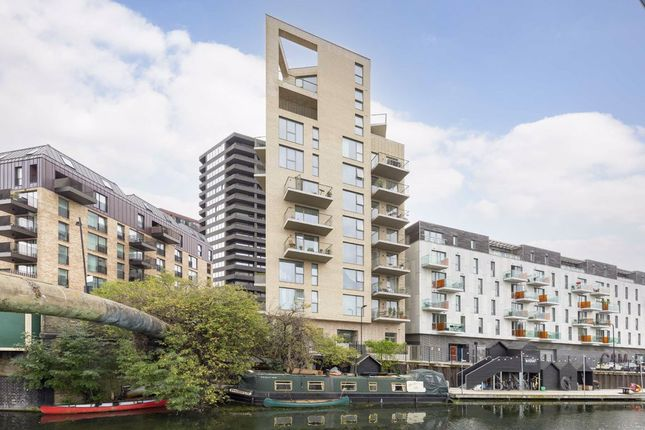 Thumbnail Flat for sale in Bridport Place, London