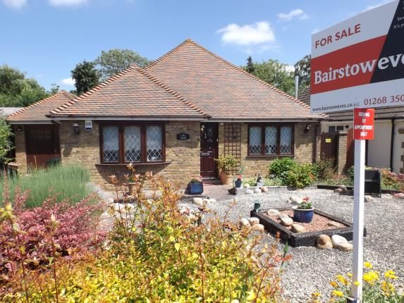 Thumbnail Bungalow for sale in Crays Hill, Billericay, Essex