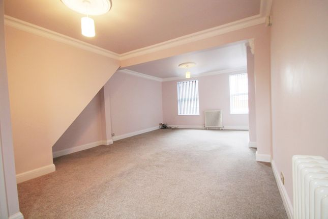 Thumbnail Maisonette to rent in Fairfield Road, West Drayton