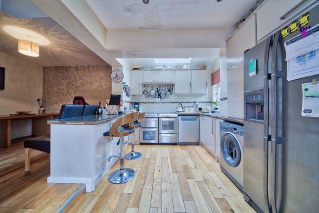 Kitchen / Diner of Woodside Court Road, Croydon CR0