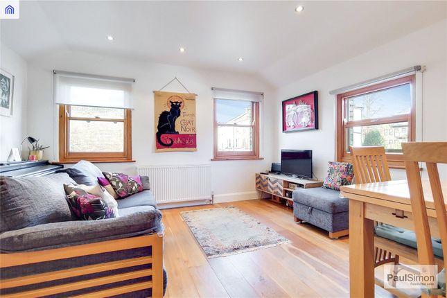Flat for sale in Oakfield Road, Stroud Green, London