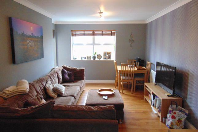 Thumbnail Flat to rent in International Way, Sunbury