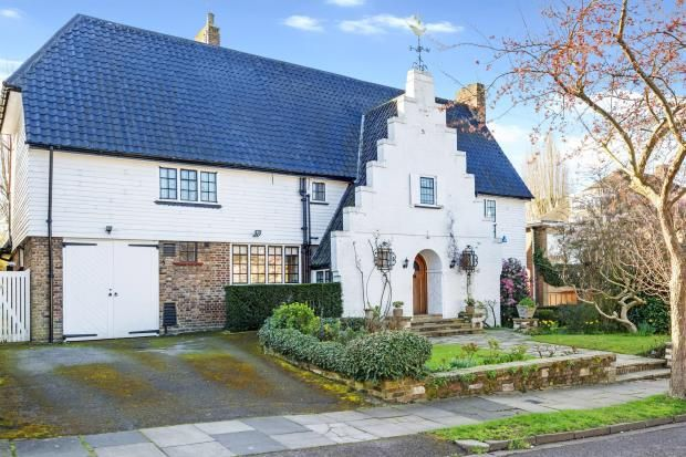 Thumbnail Detached house for sale in Neville Drive, Hampstead Garden Suburb, London