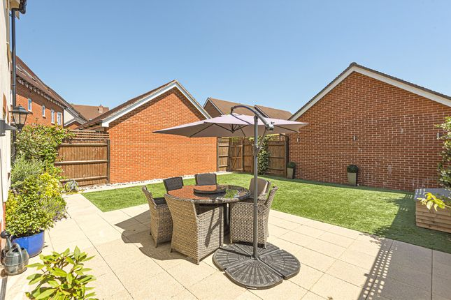 Thumbnail Detached house for sale in Whittaker Drive, Horley, Surrey
