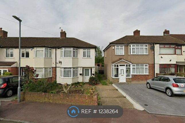 3 bed semi-detached house to rent in Eastbrook Drive, Romford RM7