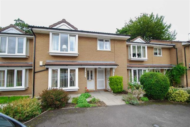 Thumbnail Flat for sale in Waterloo Court, Bury, Greater Manchester