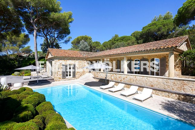5 bed property for sale in 83350 Ramatuelle, France