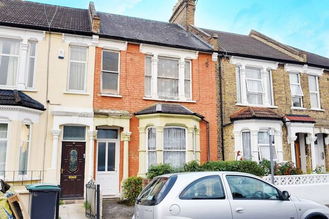 Thumbnail Terraced house for sale in Parkhurst Road, Wood Green