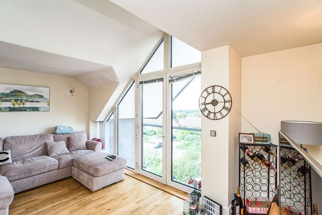 Thumbnail Flat for sale in School Mead, Abbots Langley