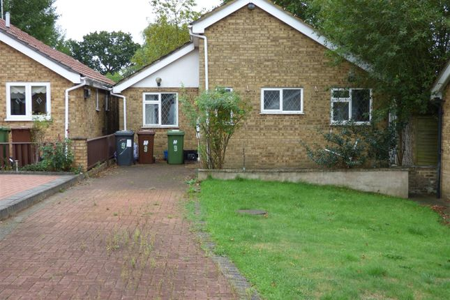 Thumbnail Bungalow for sale in Kent Close, Well End, Borehamwood