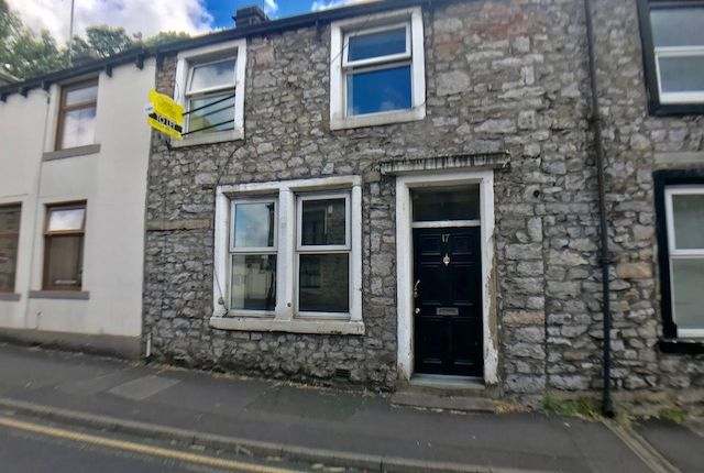 Thumbnail Terraced house to rent in Parsons Lane, Clitheroe