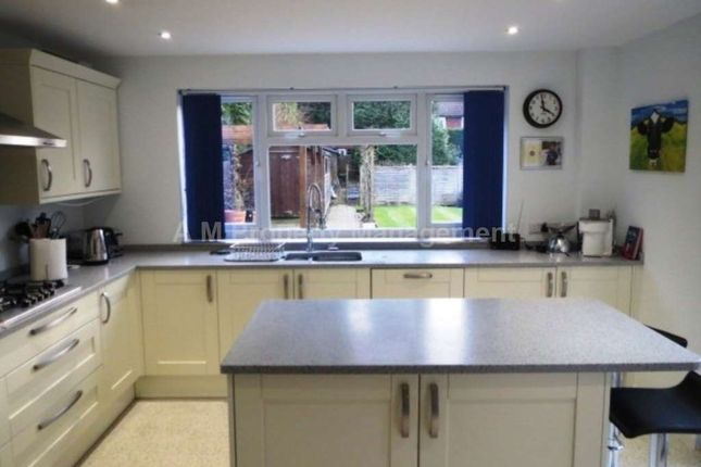Thumbnail Detached house to rent in Barkham Ride, Finchampstead, Wokingham