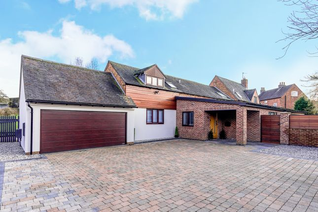 Thumbnail Barn conversion for sale in Kirtland Close, Austrey, Atherstone