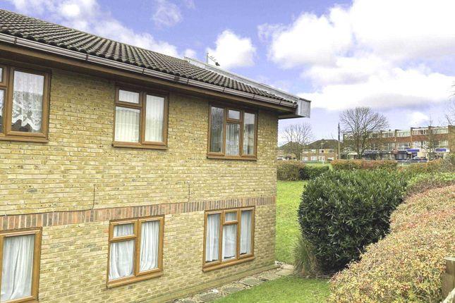 Thumbnail Flat for sale in Allington Court, Billericay