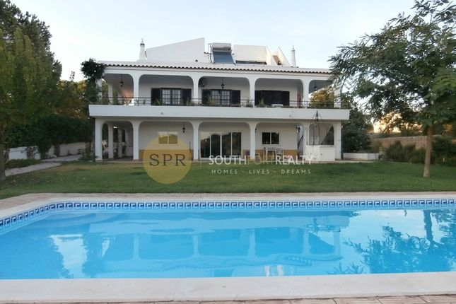 6 bed villa for sale in Vau, Portimão, Portimão Algarve
