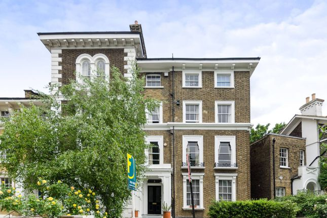 2 bed flat to rent in Gloucester Crescent, Camden