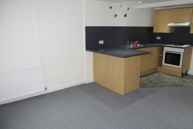 2 bed flat to rent in Worcester Street, Brynmawr, Glynebwy NP23